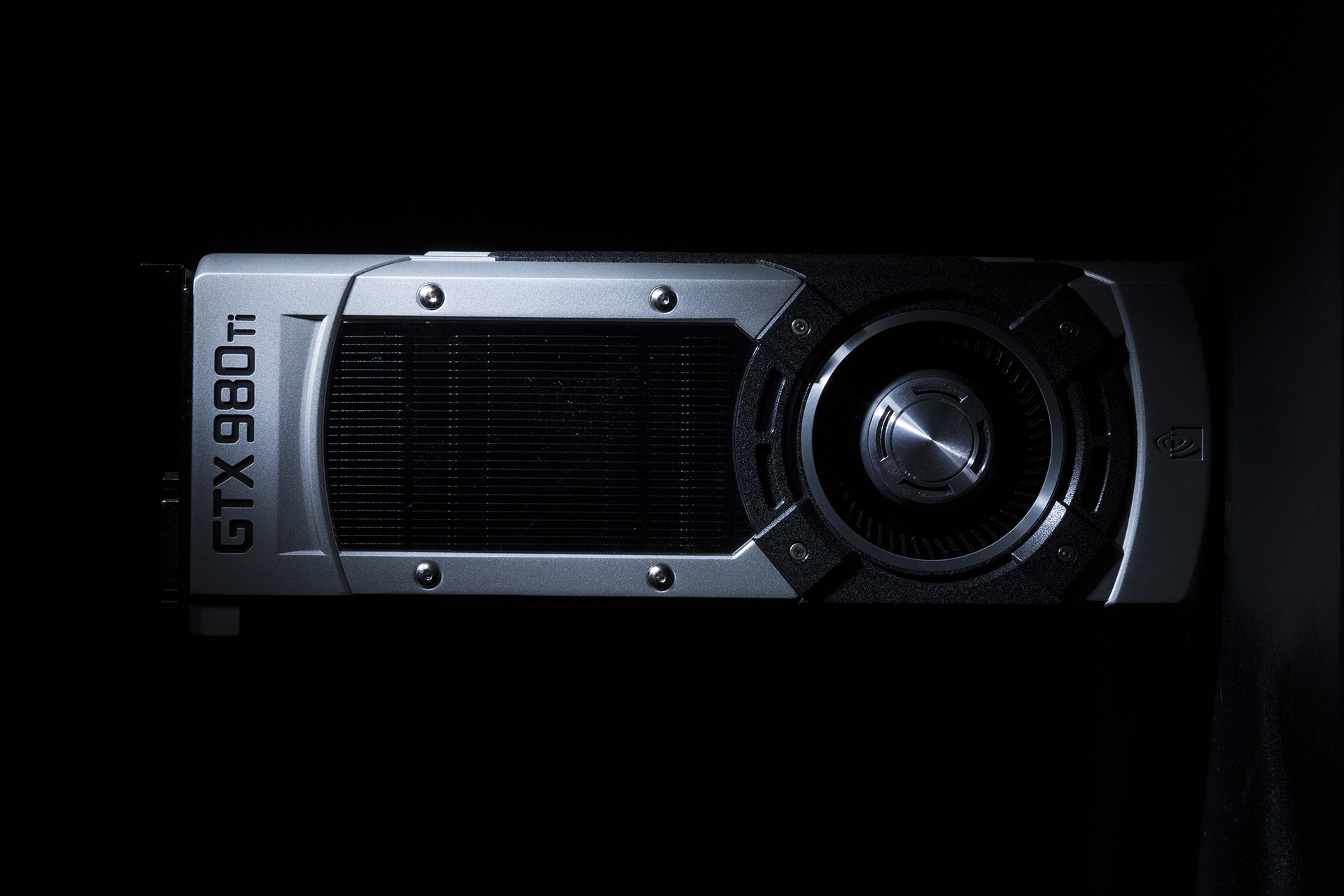 nvidia-geforce-gtx-980-ti-key-visual-2-rotated-1920px